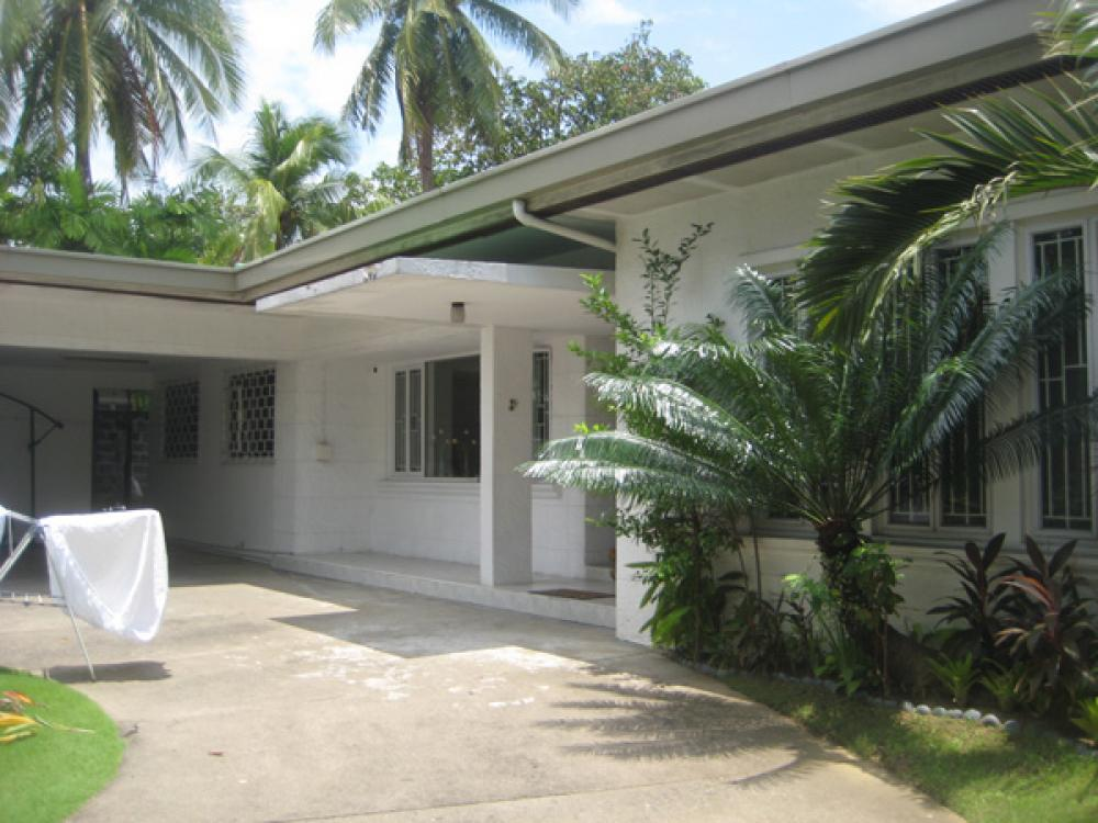 Bright Four Bedroom House House Lot For Rent Lease In Dasmarinas Village Da000320