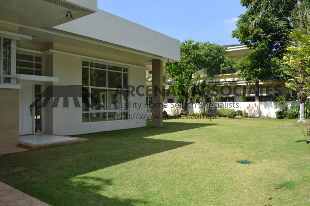 Modern Tierra Split Level 4 Bedroom House Lot For Rent Lease In Dasmarinas Village Da001439